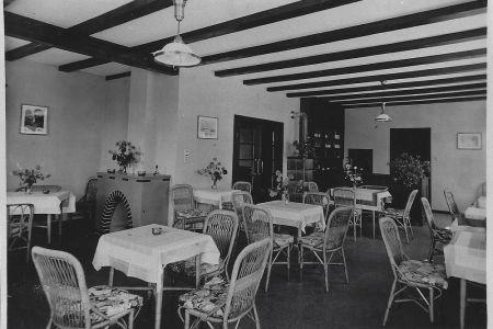 10 - Interieur der Pension MANOR FARM, um 1940 | Camping MANOR FARM | Unterseen - Interlaken